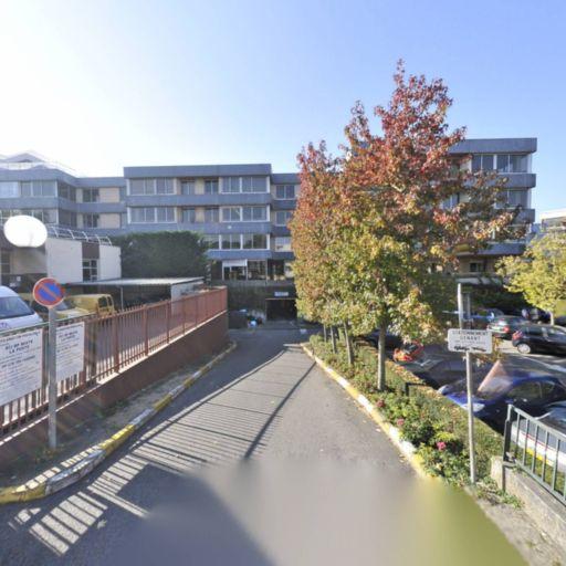 Parking Hôtel de Ville - Parking - Le Chesnay