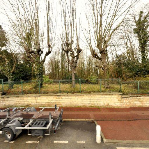 Ford Business Partner BREMANY LEASE SAS - Location d'automobiles de tourisme et d'utilitaires - Saint-Germain-en-Laye