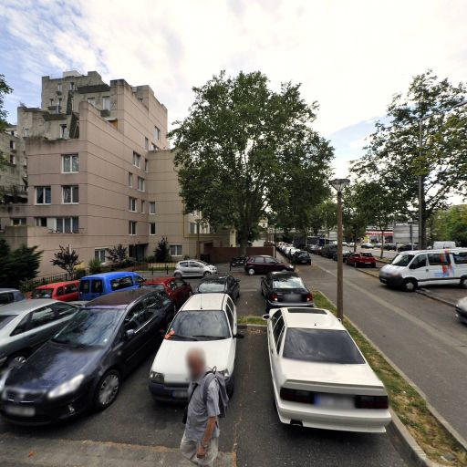 Parking Square du Dragon - Parking - Évry