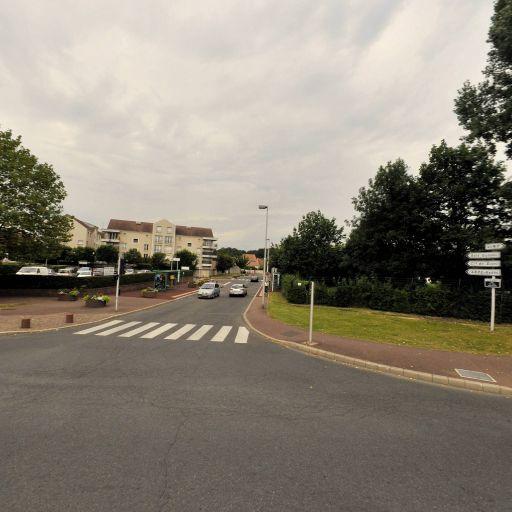 Ada - Location d'automobiles de tourisme et d'utilitaires - Évry