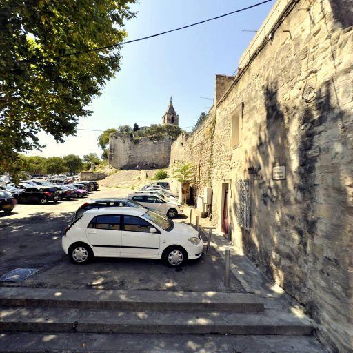 Parking Emile Combes - Parking - Arles