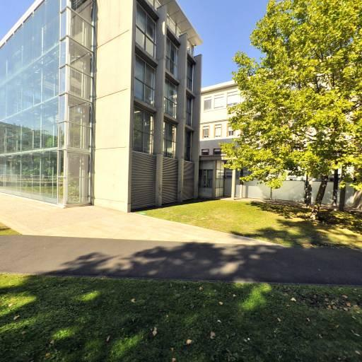 Michelin Manufacture Française des Pneumatiques Site des Carmes - Siège social - Clermont-Ferrand