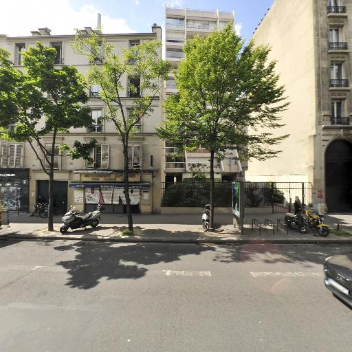 Ferme Eolienne des Trois Muids - Production et distribution d'électricité - Paris