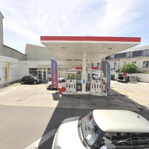 Cargo Station Service Esso - Station-service - Versailles