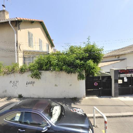 Salon Les Mille et Une Coiffures - Coiffeur - Marseille