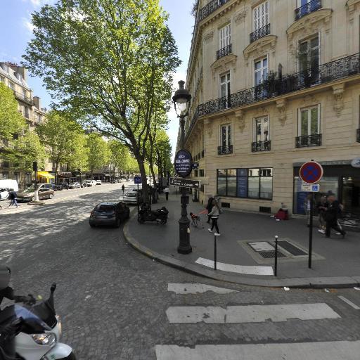 Jacquemus - Designer - Paris