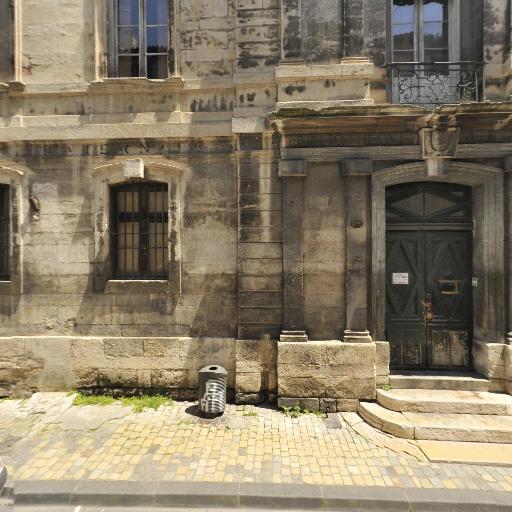Musée Archéologique - Musée - Nîmes