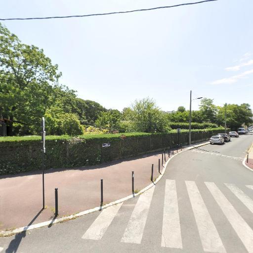 Locaux Jardiniers De La Ville De Bordeaux - Aménagement et entretien de parcs et jardins - Bordeaux