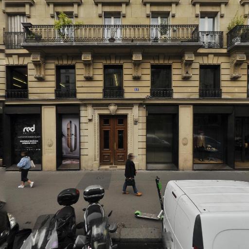 Boutique Givenchy - Haute couture - Paris